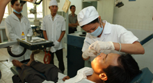 Photo of volunteer dentist working in Vietnam
